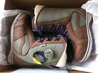 Vans Ferra UK 4 new snowboard boots