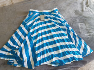 Bench skirt never worn tags on
