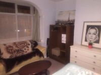 Double room in Tooting Bec. Available now. REDUCED FROM £600. NO DEPOSIT.