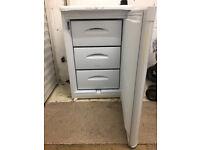 Freezer (under counter)