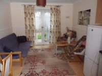 Good size single room to rent - available now