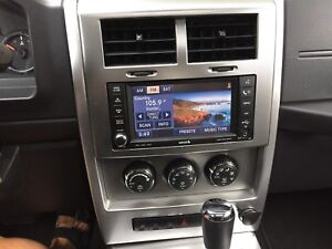 2009 Jeep Liberty Ltd with Bluetooth , cruise control navigation