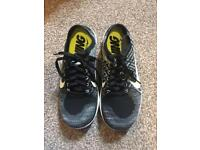 Women's fly knit trainers 4.5
