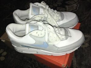 Ladies Nike - Air Max 90 - brand new