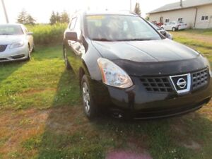 2008 Nissan Rogue AWD only  124 km  in very  very good  cond
