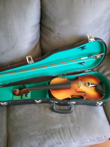 CARELLI 3/4 VIOLIN AND NEW BOW