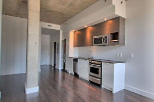 M9#4, Studio sept1st! 450sf, all appliances, pool+gymMURPHY bed