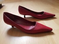 Red low kitten heel shoes - size 5 - hardly worn