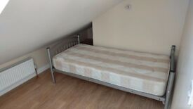 1 single room for ONLY single person, for £85