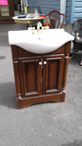 REDUCED Cherry finish vanity with brass taps, mirror
