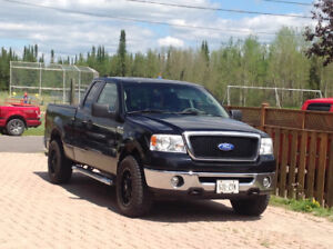 2006 Ford F-150 SuperCrew XLT Pickup Truck