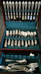 Wallace stainless Baroque flatware svc for 12 plus