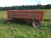 Agricultural tipping trailler