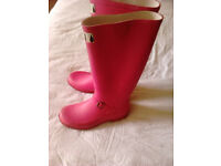 size 5 in pink