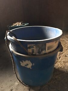 Heated livestock horse water pail large