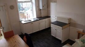 Modernized Clean Furnished House Share. 2 x Double Bedrooms Inc Bills Available. £400 P/M PP