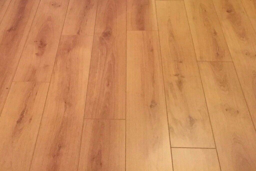 Laminate Flooring 8mm 1x Sealed Pack Balterio Vitality Deluxe 4v Cau Oak