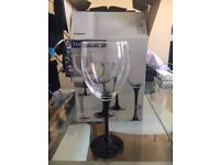 Red wine glasses x4 set boxed and never used - unwanted gift