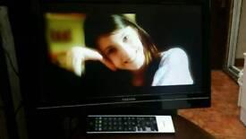 "22"" TOSHIBA TV DVD USB HDMI"