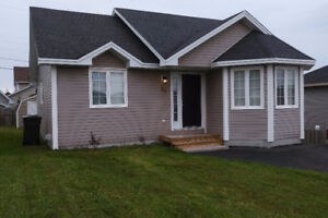 Paradise located Home 2+1 Bed, 2 bath w/ Home Theatre & office