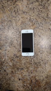 iPhone 5S 16GB Rose Gold and White