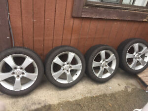 MAZDA 3. Rims and tires good conditions