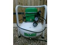 BAMBI AIR COMPRESSOR 25 litre