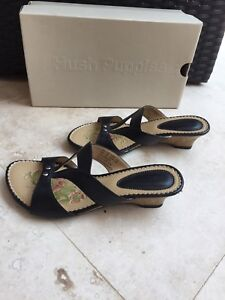 Hush Puppies Black Leather Slip On Sandals - NEW! size 5.5M