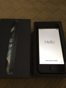 Mint Condition iPhone 5 16GB