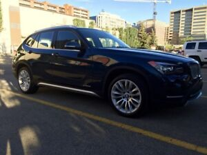 BMW X1 - Navigation/Keyless Entry/Huge sunroof