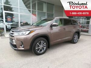 2017 Toyota Highlander XLE Navigation Leather and all!!!!