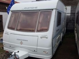 2005 Coachman Pastiche 420 2 Berth End Kitchen Caravan with Motor Mover and Awning