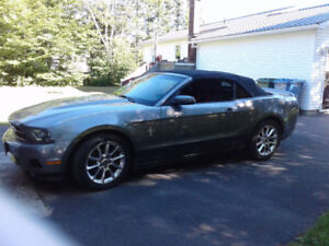 ***2011 Ford Mustang Convertible***