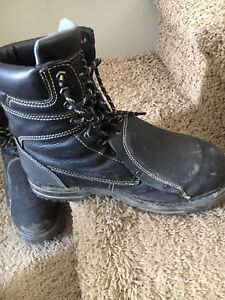 Steel toe work boots. SUMMER AND WINTER