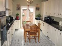 Pristine Rooms in a Superb House All bills incl;