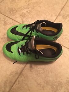 Size 3 1/2 Kids Outdoor Soccer Cleats