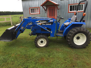 Tracteur New Holland comme neuf!
