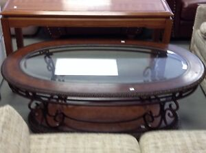 HfH ReStore WEST- oval coffee table