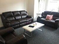 1 lovely double bedroom available IDEAL FOR STUDENTS!!
