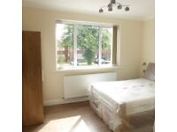 A STUNNING house share. Renovated to a high standard. All three double bedrooms boast an ensuite.