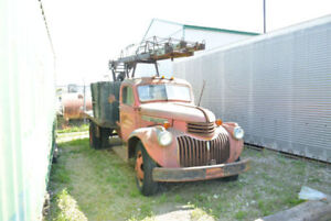 1946 GMC Maple Leaf Ladder Truck - RARE FIND