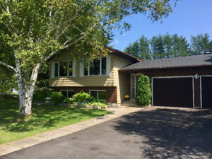 8 Min. to Espanola-Quality home on double lot-Quick Close Avail.