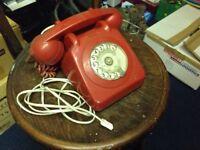 2 Retro telephones