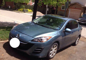2011 Mazda3 / fully loaded - good condition