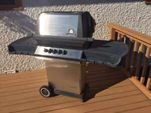 Stainless Gas Barbecue with Side Burner and Propane Tank