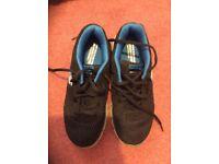 Skechers black memory foam Skech-knit trainers youth size 4