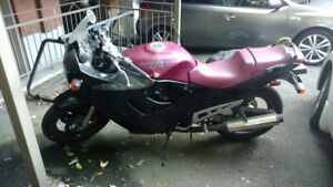 Motorcycle - Suzuki 600cc - 1995 - Sport look - Purple