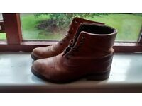Leather lace up boots (size 38)