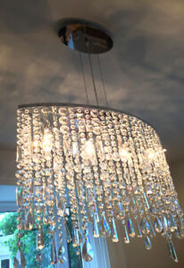 Excellent condition CRYSTAL CHANDELIER only 150$- LUSTRE