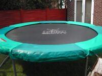 Trampoline 10ft Zero Gravity Excellent condition